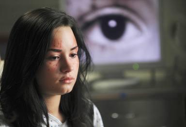 Demi Lovato durante una aparición en Anatomía de Grey