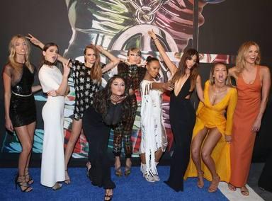 Taylor Swift junto a ese 'squad' que ha ido perdiendo con el paso de los años de manera inexplicable