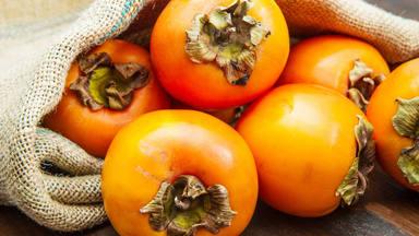 Descubre las propiedades del caqui, el gran desconocido en el mundo de las frutas