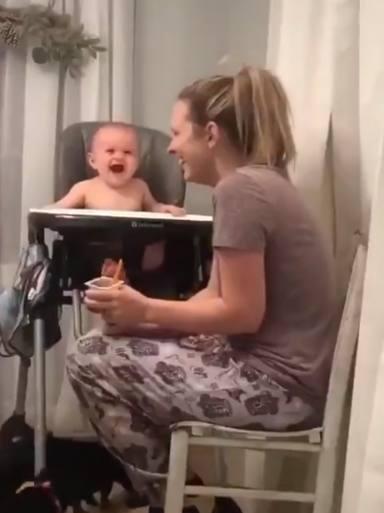 La risa contagiosa de este bebé se vuelve viral