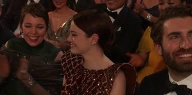 Emma Stone y Dave McCary en los Oscars