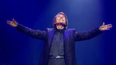 Raphael celebra su cumpleaños, Álvaro de Luna alcanza el disco de platino, y tenemos noticia ¡BOOM!