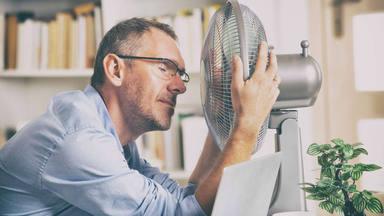 Cómo hacer que el ventilador eche aire frío