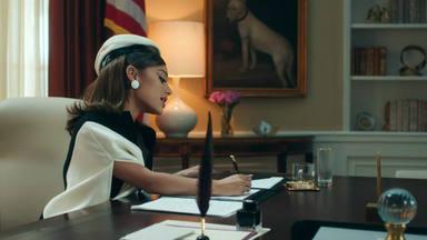 """Ariana Grande aplasta toda previsión con el videoclip de """"Positions"""" como presidenta de los EEUU"""