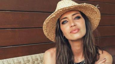 El espectacular look de Sara Carbonero tras mostrar una prenda de lo más curioso