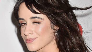 """Camila Cabello será """"La Cenicienta"""" con Pierce Brosnan y cantaría en la BSO"""