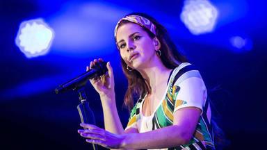 Lana del Rey ha recorrido un largo camino desde su primer single, ahora vuelve en forma de poeta