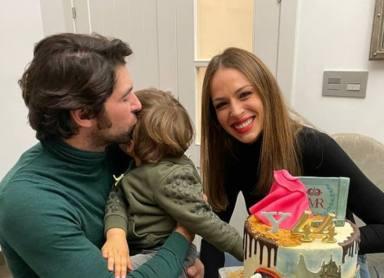 Las románticas imágenes de Eva González y Cayetano Rivera que ha llamado la atención de sus seguidores