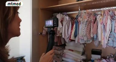 Toñi Moreno enseña el armario de su hija