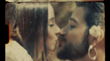 Camilo y Evaluna en una imagen del videoclip 'Índigo', con el que anuncian embarazo de su primer bebé
