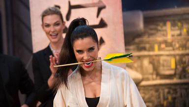 Pilar Rubio corta una flecha con una katana en 'El Hormiguero'