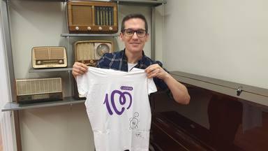¿Quieres ganar esta camiseta de CADENA 100 firmada por Maldita Nerea?