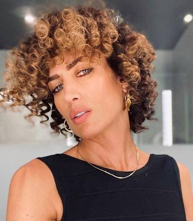 El nuevo pelo de Nieves Álvarez no convence
