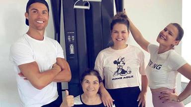 Cristiano Ronaldo y sus hermanas supervisan la recuperación de su madre, Dolores Aveiro