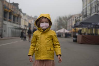 los niños podrán salir a dar paseos controlados el 27 de abril