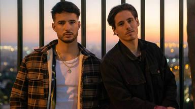 """Descubrimos a Malxs, el dúo español compuesto por Álex y Víctor que cantan """"El Truco"""""""