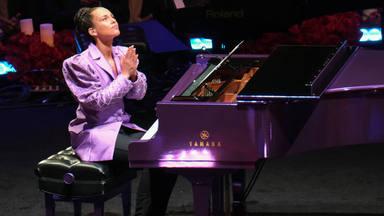 La música, con artistas como Alicia Keys y Beyoncé, arropan el homenaje a Kobe y Gianna Bryant en Los Ángeles