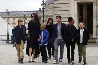 Angelina Jolie junto a sus seis hijos, lo más importante de su vida