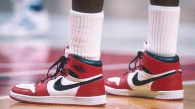 A subhasta les mítiques sabatilles de Michael Jordan