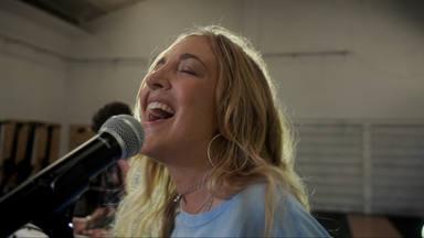 """Estrenamos en exclusiva """"Digan lo que digan"""" de Paula Mattheus con un videoclip altamente recomendable"""