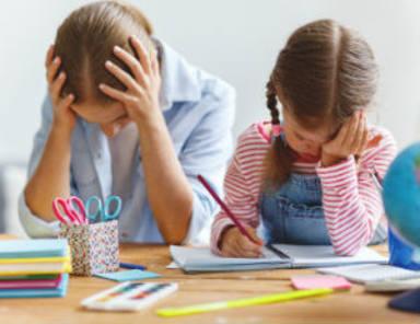 Cómo a acostumbrar a tu hijo para que haga los deberes
