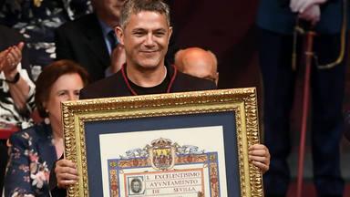 Alejandro Sanz ha recibido el título de Hijo Adoptivo de Sevilla