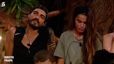 Fabio y Violeta durante un programa de Supervivientes 2019