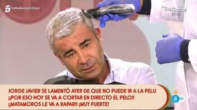 Jorge Javier Vázquez se rapa en directo en 'Sálvame'