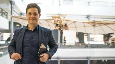 Christian Gálvez en la presentación de una exibición de Leonardo Da Vinci