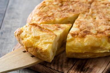Tortilla con patatas baja en calroías y saludable