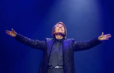 Raphael brilla en Madrid y devuelve la esperanza a la cultura en su último concierto