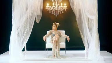 Danna Paola en una imagen de la reinvención de 'Kaprichosa'