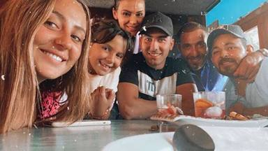 Primera foto de familia de Rocío Flores tras volver de Supervivientes