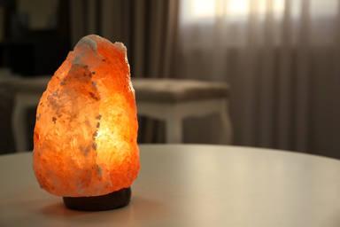 Una lámpara de sal es mucho más que un elemento decorativo