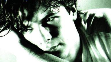 Alejandro Sanz reflexiona sobre la vida recordando una de sus grandes canciones de hace 30 años