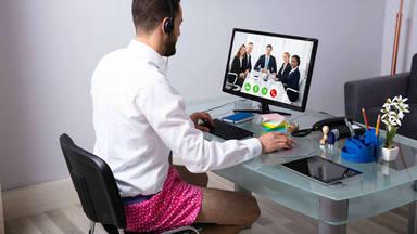 La manera preferida por los españoles para vestir en las videollamadas de trabajo