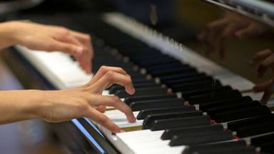 Una pianista deberá pagar 8.000 euros a sus vecinos