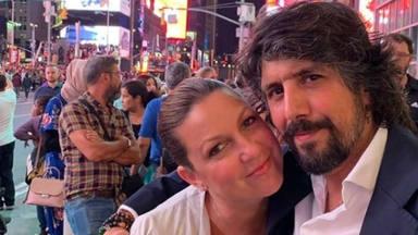 El intento de beso de Niña Pastori a Brad Pitt provoca una reacción insólita en su marido Chaboli