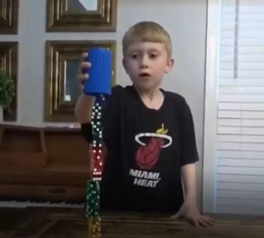 El niño que sorprende a las redes sociales con su curiosa habilidad