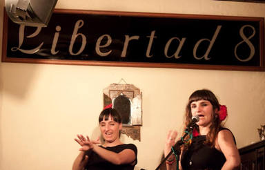 Rozalén volvió a Libertad 8, el mítico café madrileño que acogió a tantos artistas
