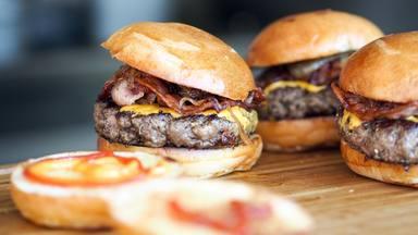 El error común que cometes al hacer tu hamburguesa y que puede arruinar su sabor