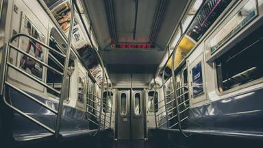 Los héroes sin capa existen: el gran gesto de un pasarejo de metro de china que ha dado la vuelta al mundo