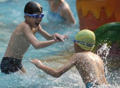 Las piscinas comunitarias aún no saben cuando podrán abrir