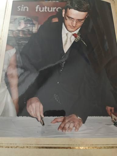 La divertida historia detrás de una foto de bodas única