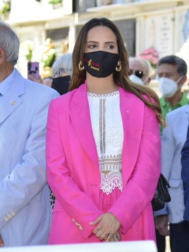 Gloria Camila con el traje rosa con el que provocó a su hermana Rocío Carrasco