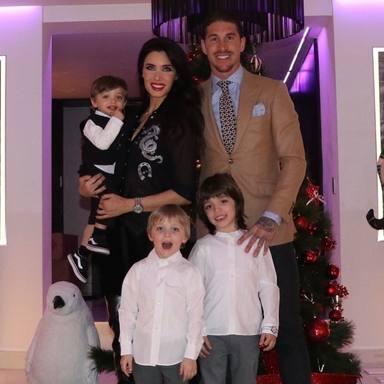 Pilar Rubio y Sergio Ramos junto a sus tres hijos