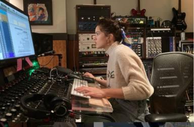 Rosalía causa furor en las redes tras los rumores de una colaboración con Anitta y Becky G