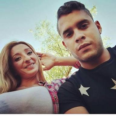 José Fernando junto a su pareja, Michu, en una imagen de redes sociales