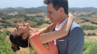 Christian Gálvez y Almudena Cid dan la bienvenida a un nuevo 'miembro' de la familia