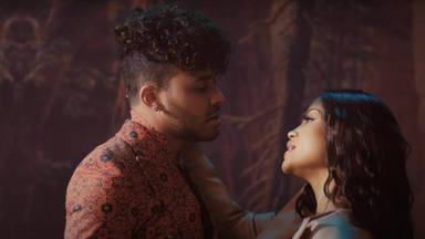 """Natti Natasha y Prince Royce estrenan su dúo para """"Antes que salga el sol"""" con amor y pasión"""